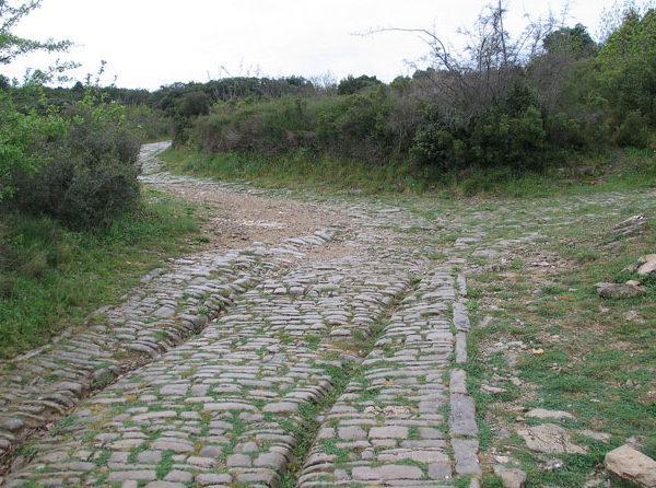 Les voies marquées de l'oppidum d'Ambrussum