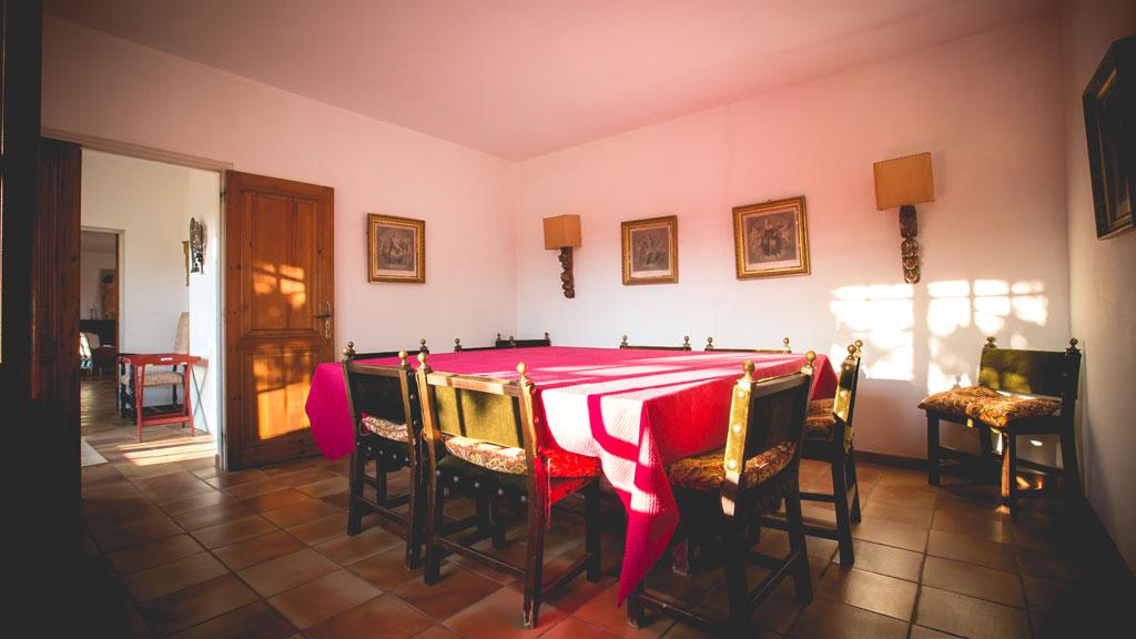 Salle à manger du gîte du domaine d'Espeyran